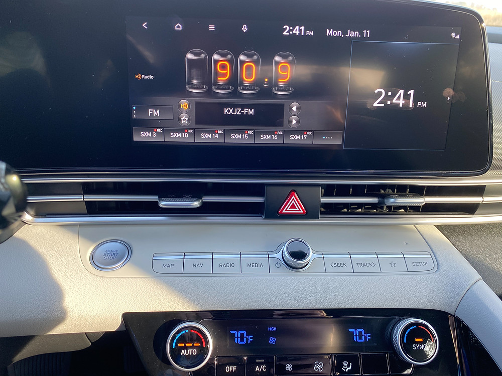2021 Hyundai Elantra Limited infotainment and HVAC