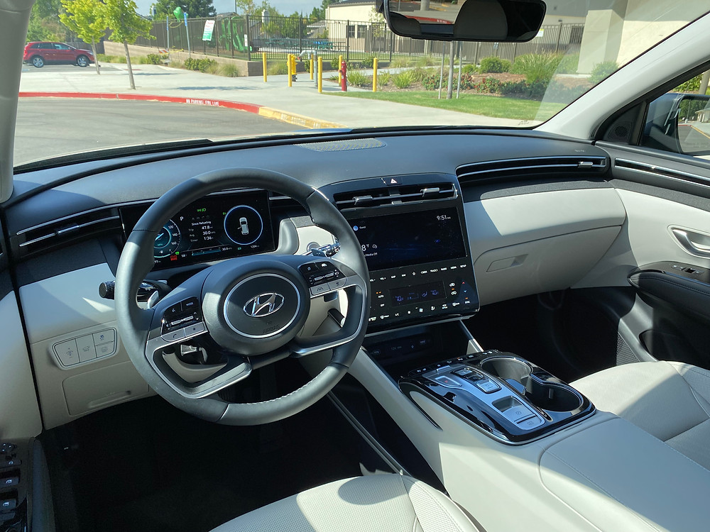 2021 Hyundai Tucson Limited Hybrid AWD instrument panel