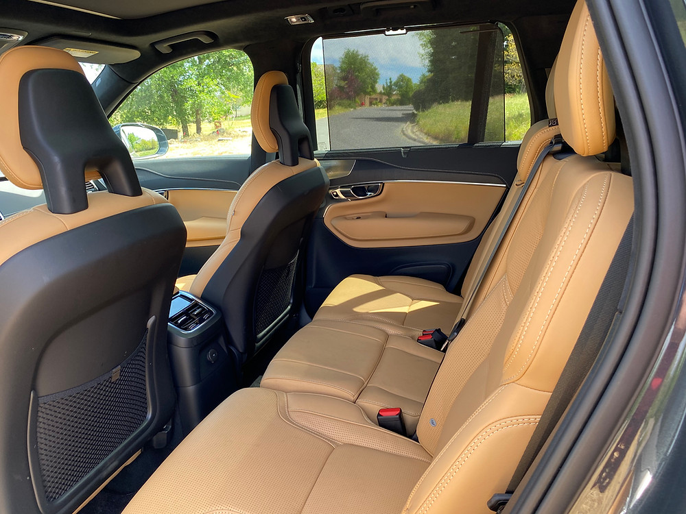 2021 Volvo XC90 Recharge T8 Inscription rear seat