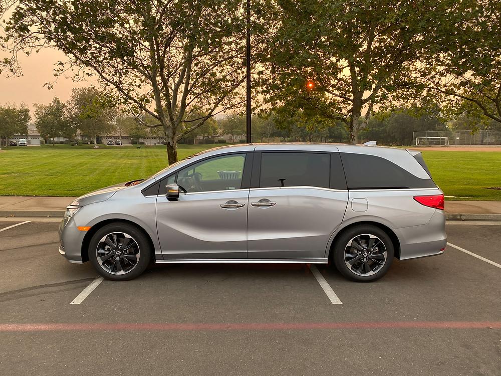 2021 Honda Odyssey Elite side view