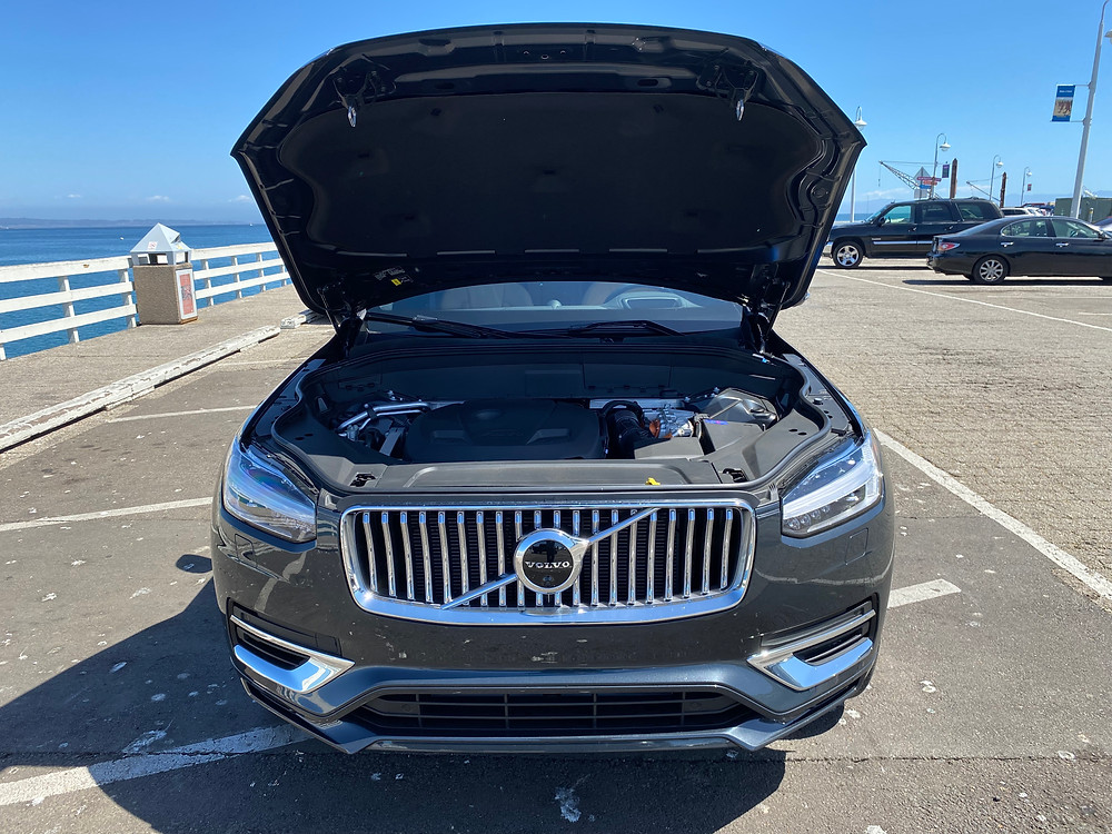2021 Volvo XC90 Recharge T8 Inscription hood up