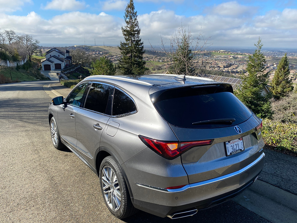 2022 Acura MDX SH-AWD Advance rear 3/4 view