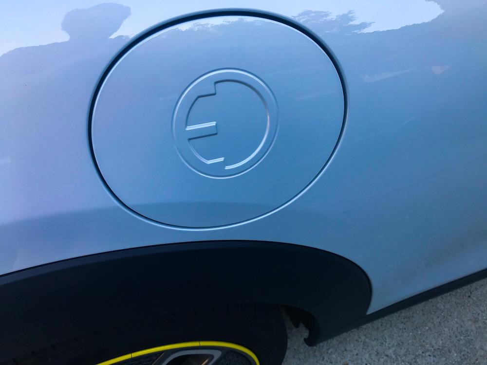 2020 Mini Cooper SE charge port door