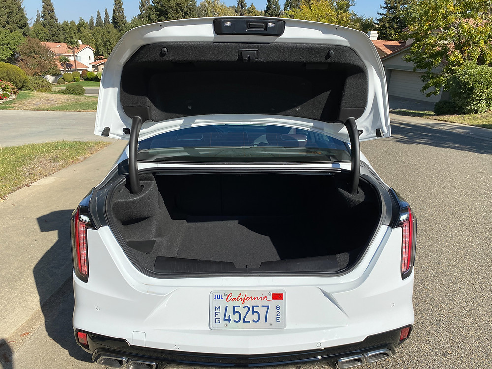 2020 Cadillac CT4 V-Series trunk open