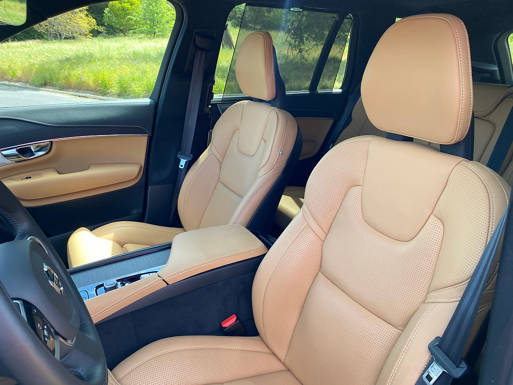 2021 Volvo XC90 Recharge T8 Inscription front seat detail