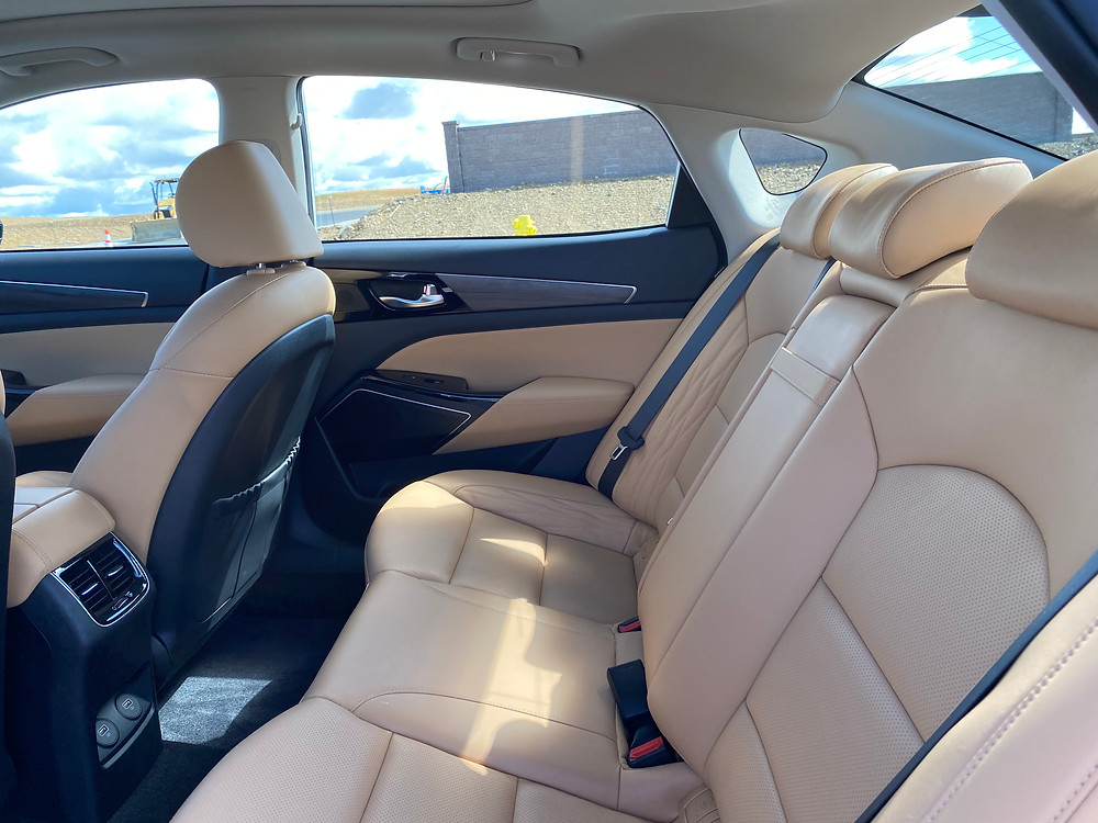 2020 Kia Cadenza Limited rear seat