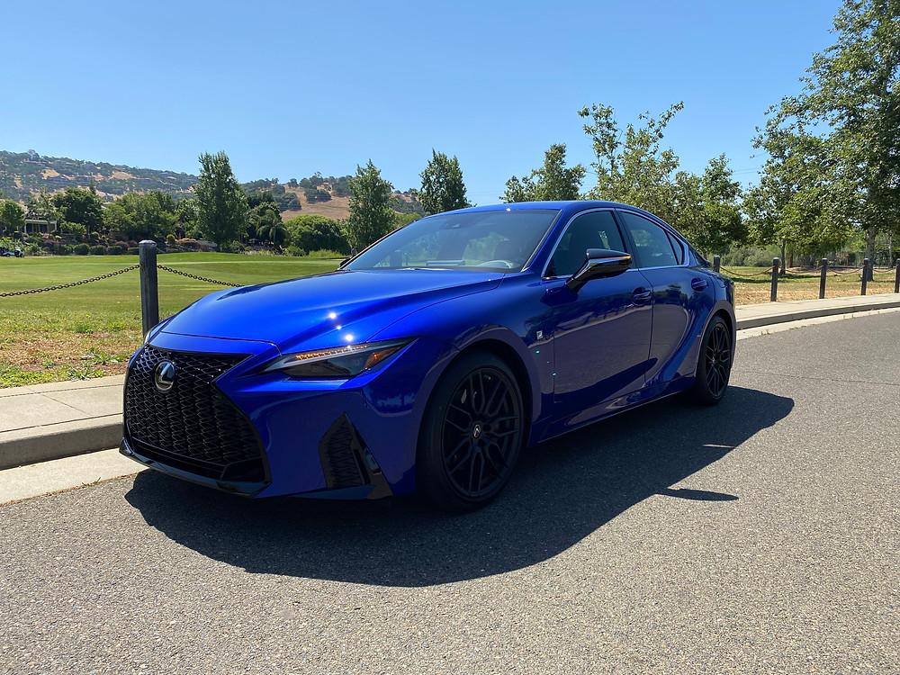 2021 Lexus IS 350 F SPORT front 3/4 view