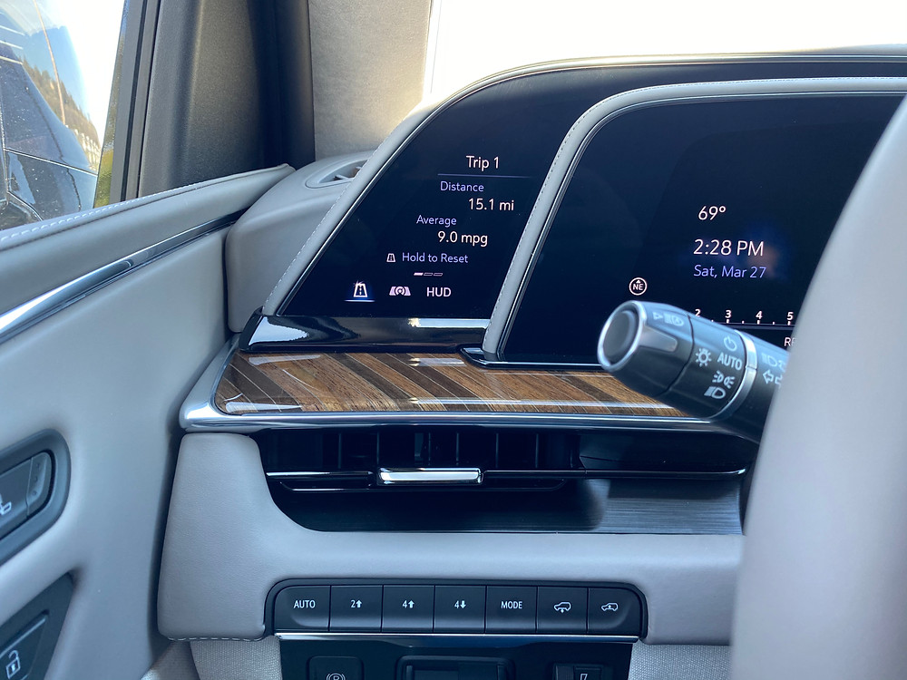2021 Cadillac Escalade 4WD Premium trip computer