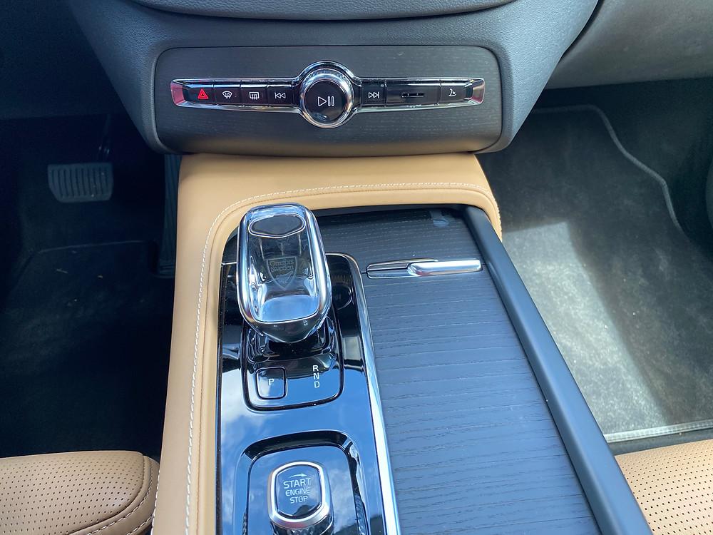 2021 Volvo XC90 Recharge T8 Inscription center console