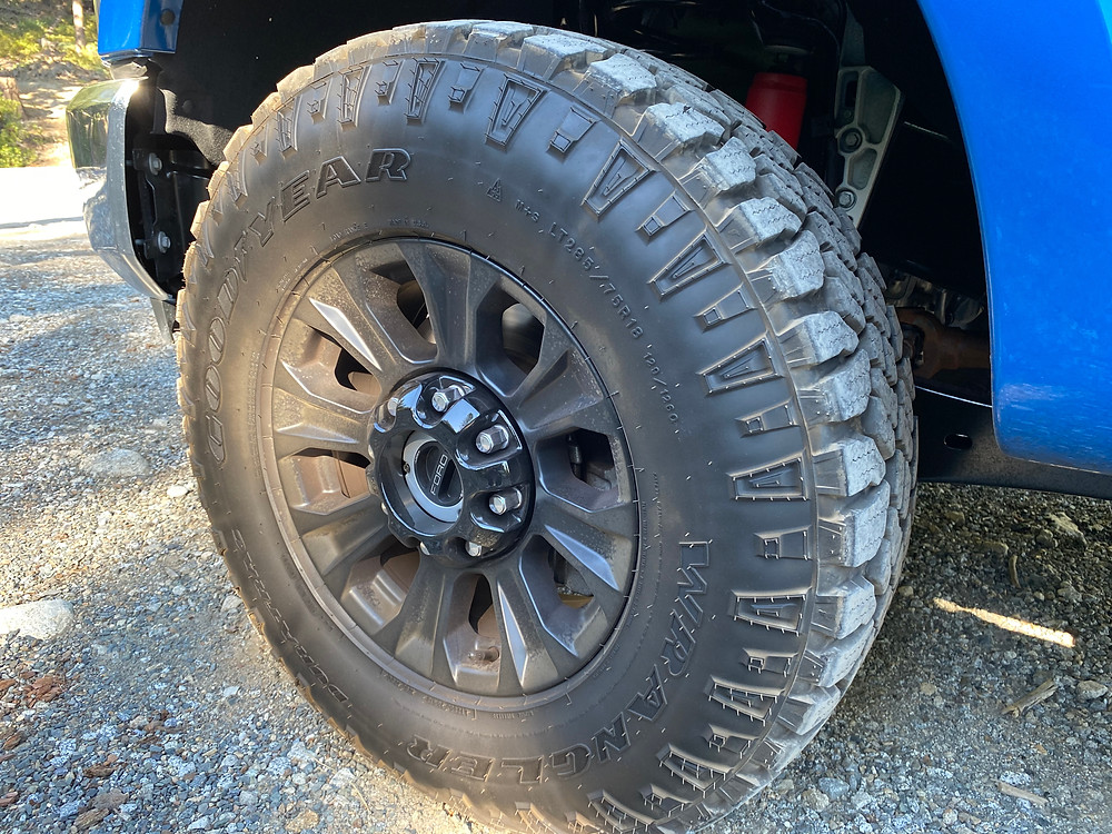 2021 Ford F-250 Tremor tire and wheel