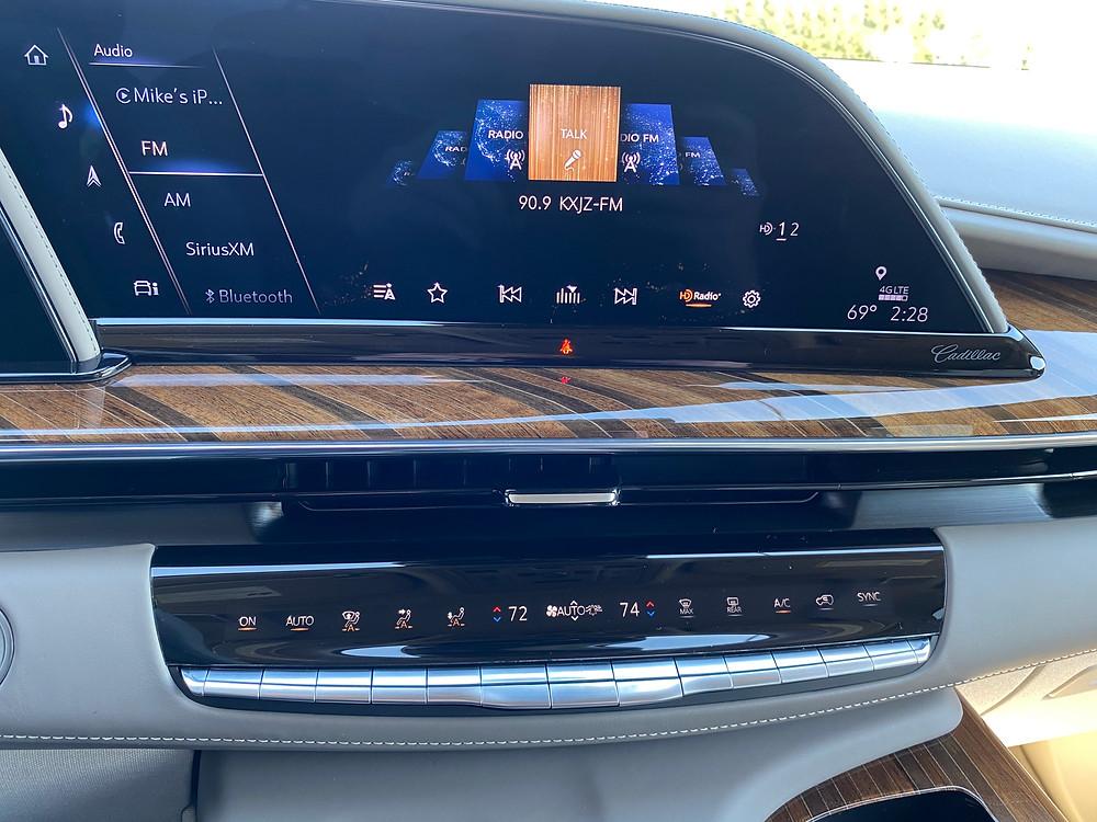 2021 Cadillac Escalade 4WD Platinum infotainment and HVAC