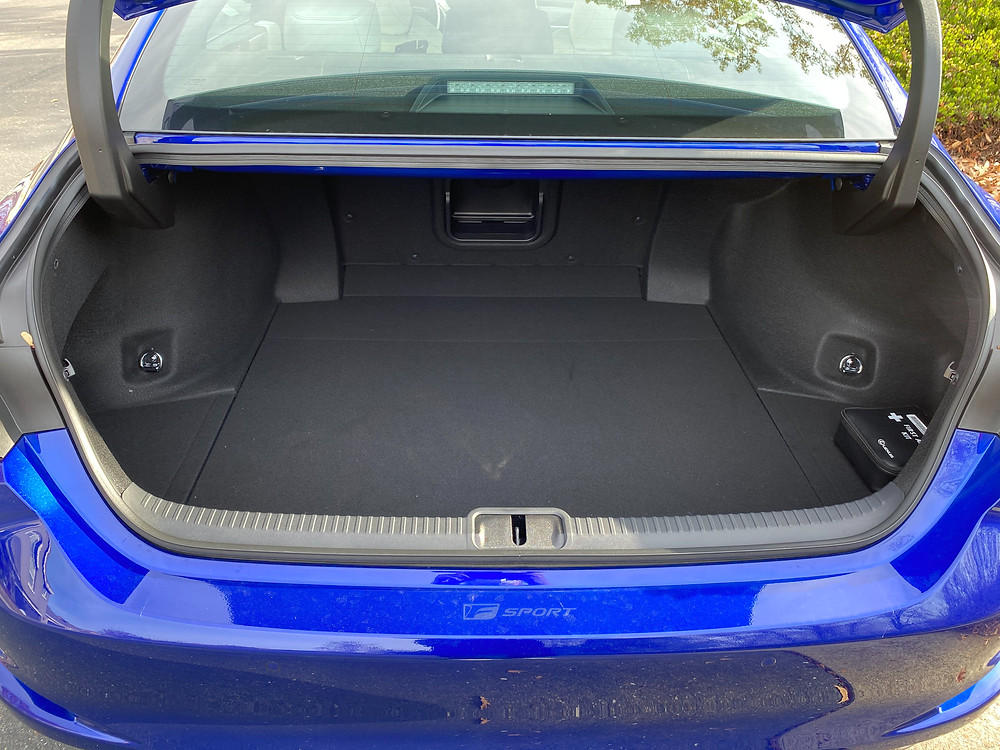 2021 Lexus ES350 F SPORT trunk