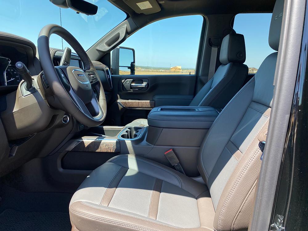 2021 GMC Sierra 2500 Denali Crew Cab 4WD front seats