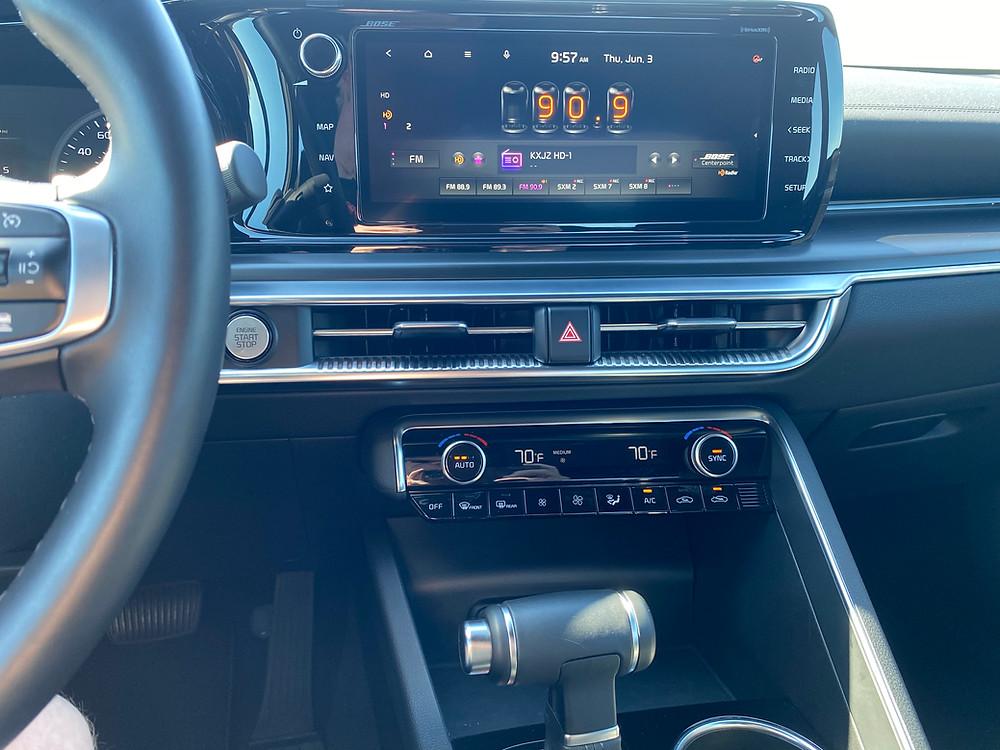 2021 Kia K5 GT infotainment and HVAC