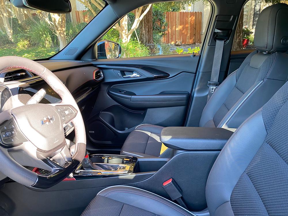 2021 Chevrolet Trailblazer AWD RS front seats