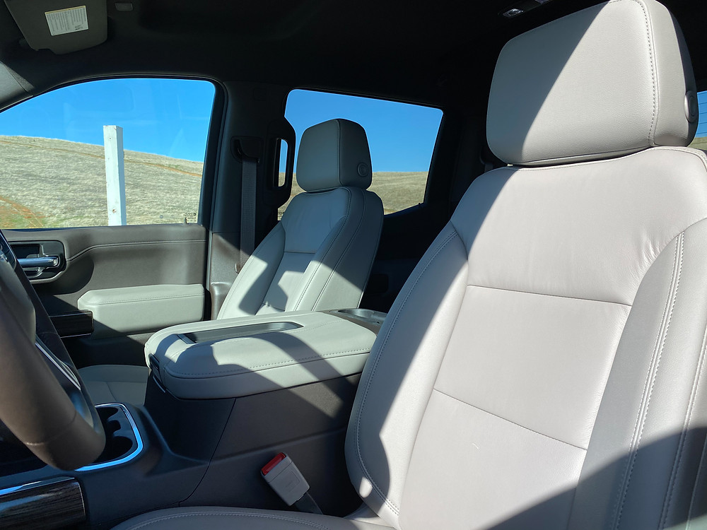 2021 Chevrolet Silverado Crew RST 4WD front seat detail