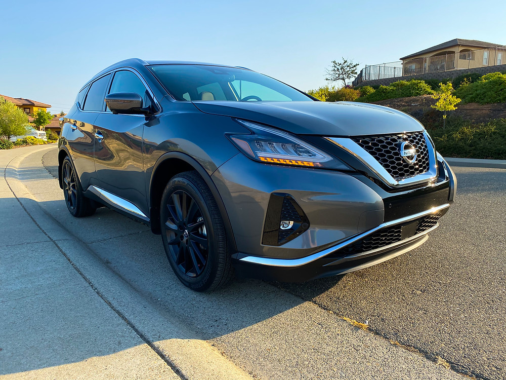 2020 Nissan Murano Platinum FWD front 3/4 view