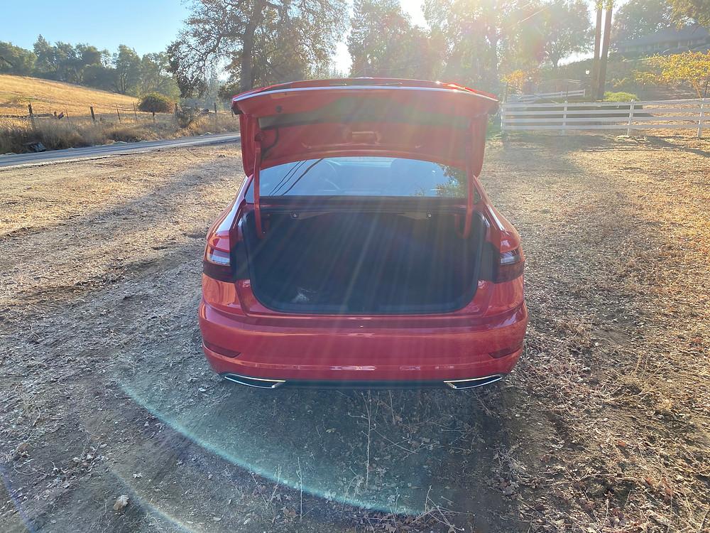 2020 Volkswagen Jetta 1.4T R-Line trunk open