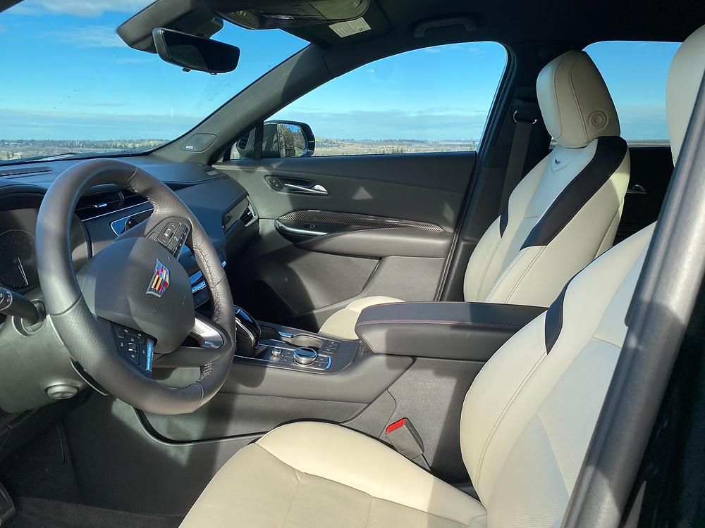 2021 Cadillac XT4 front seats