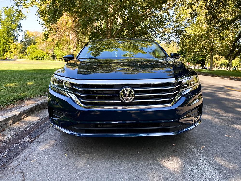 2020 Volkswagen Passat 2.0T SEL front view