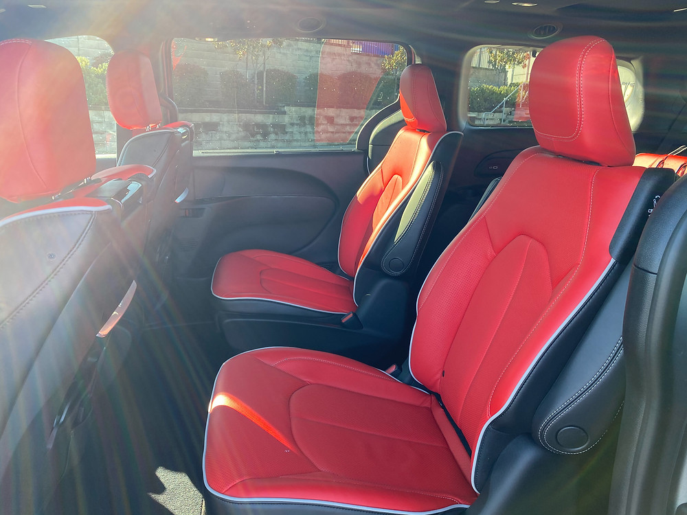 2021 Chrysler Pacifica Hybrid Limited Red S second-row seats