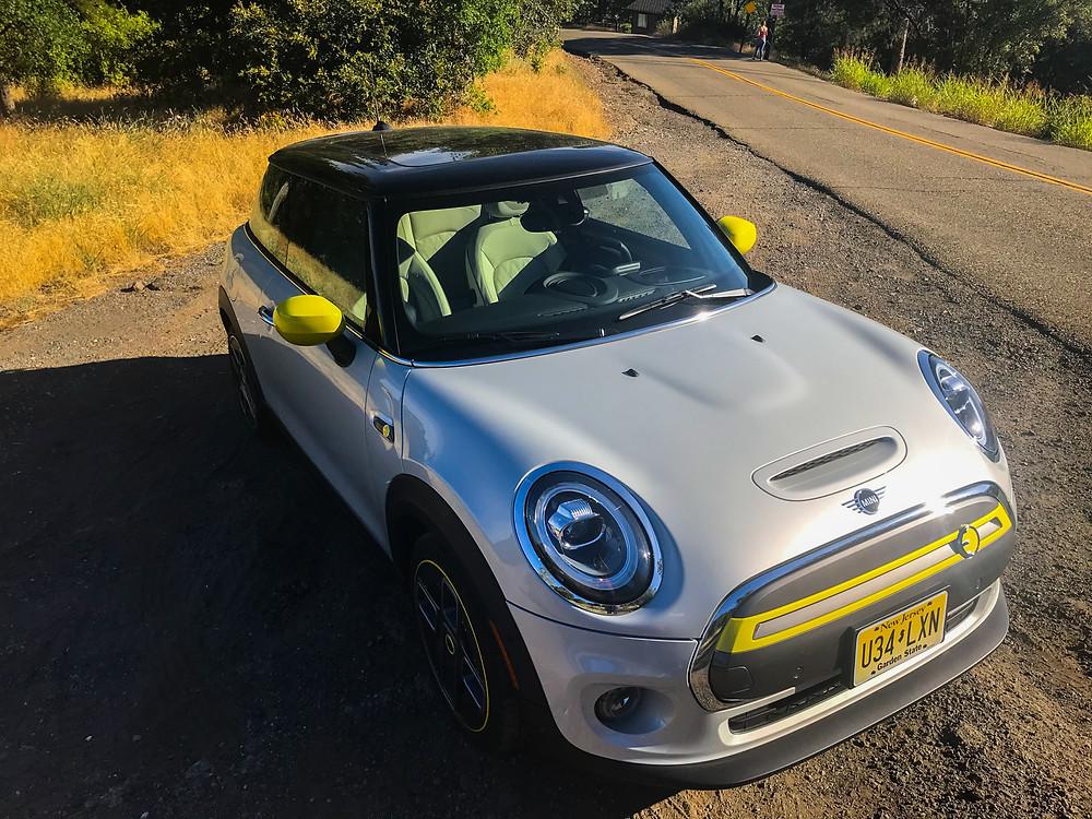 2020 Mini Cooper SE front 3/4 view