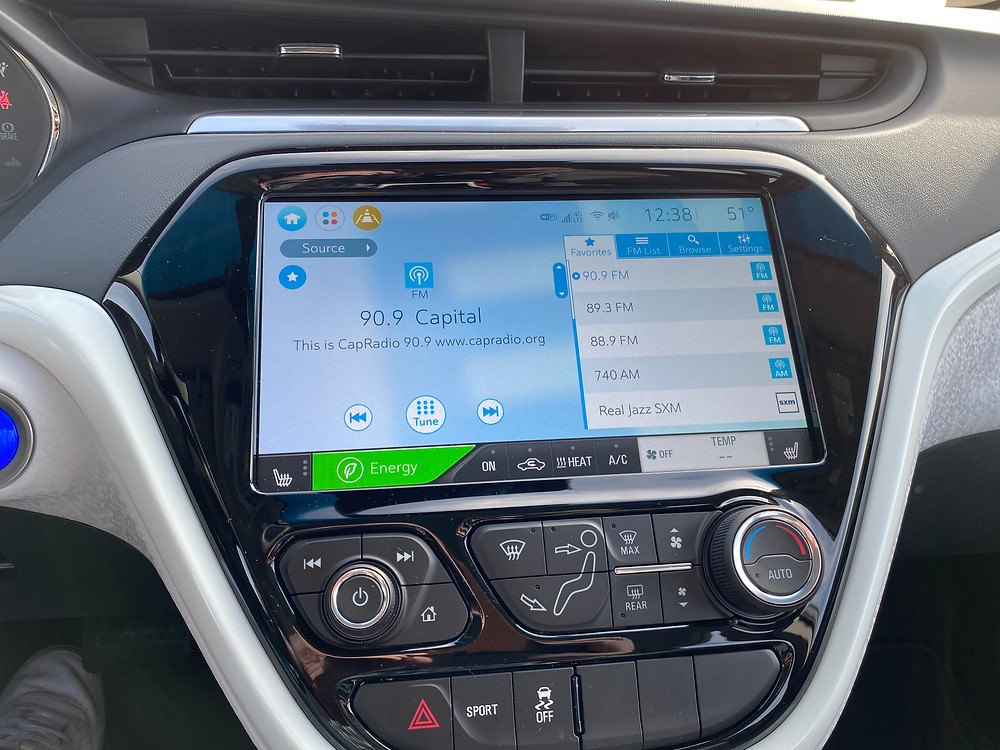 2020 Chevrolet Bolt EV Premier infotainment and HVAC
