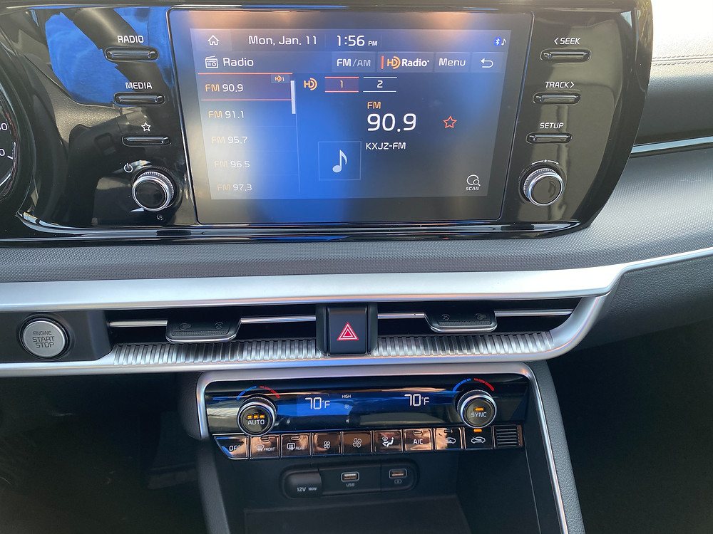 2021 Kia K5 GT-Line infotainment and HVAC
