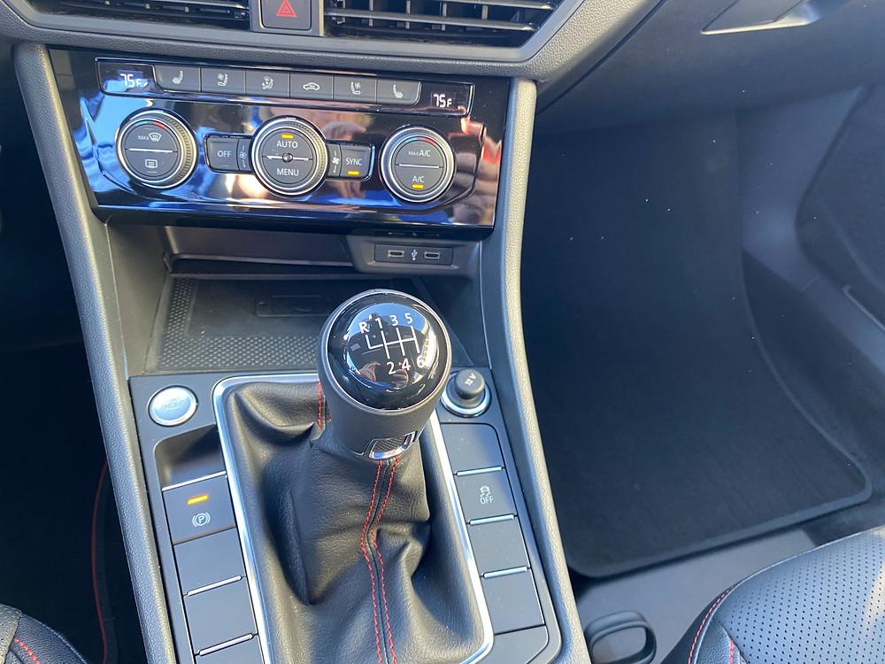 2021 Volkswagen Jetta GLI Autobahn manual shifter