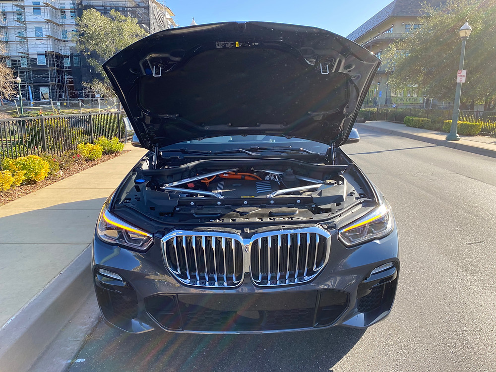2021 BMW X5 xDrive45e hood up