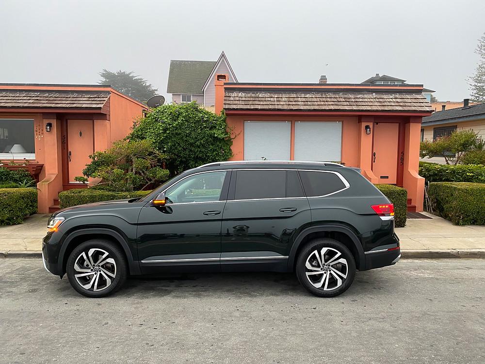 2021 Volkswagen Atlas V6 SEL Premium side view