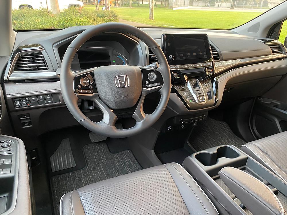 2021 Honda Odyssey Elite instrument panel