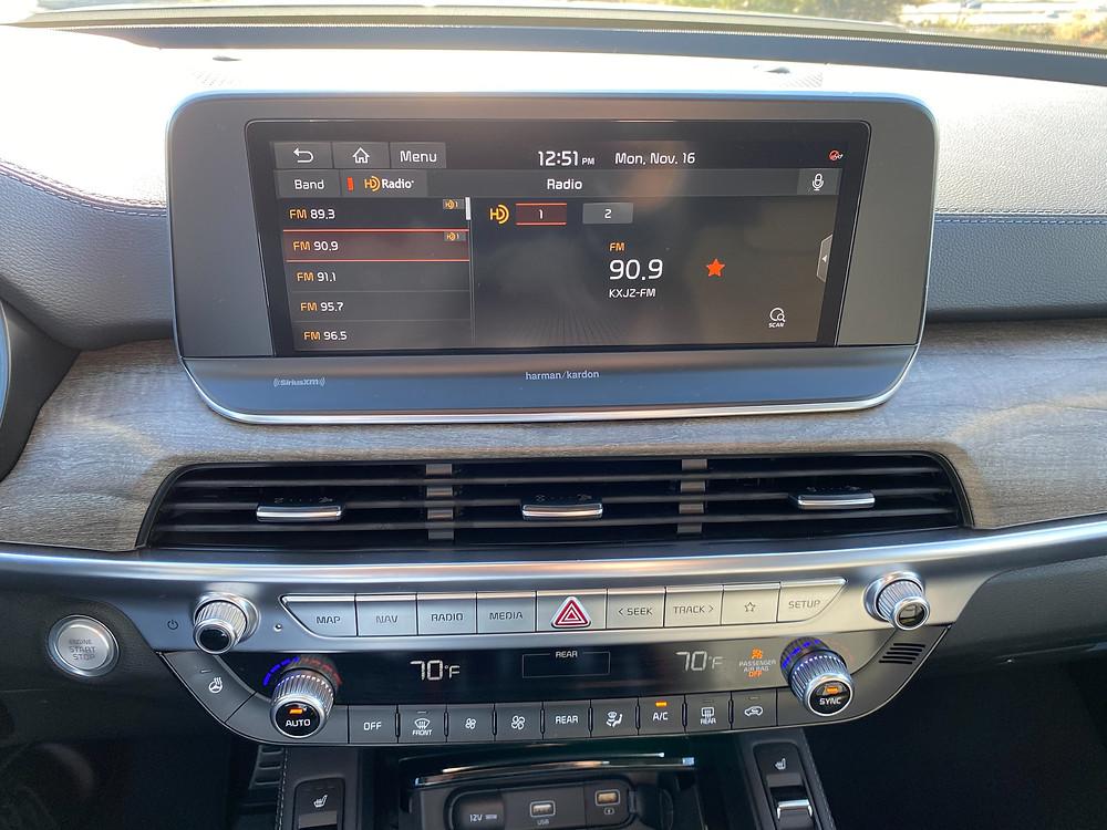 2021 Kia Telluride SX V6 AWD infotainment and HVAC