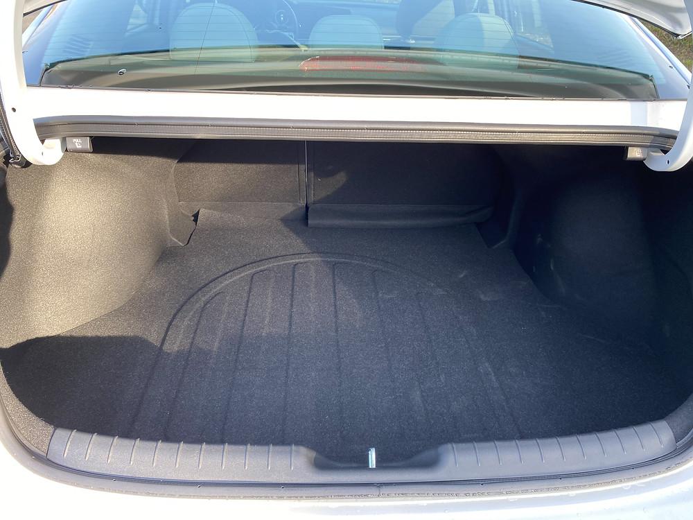 2021 Hyundai Elantra trunk