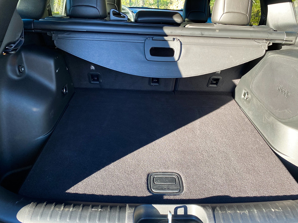 2020 Jeep Cherokee Trailhawk Elite cargo area