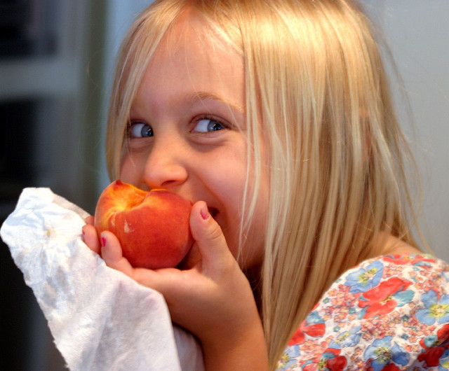 Ученые разработали программу похудения для детей из 17 шагов
