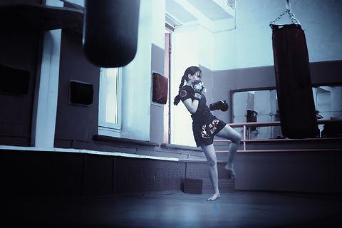 boxing-exercise-female-160920.jpg