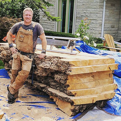 Milling up a big ol' burly willow in the