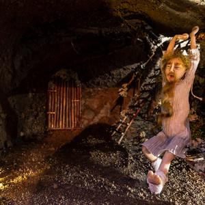 Zwerg in der Höhle.jpg