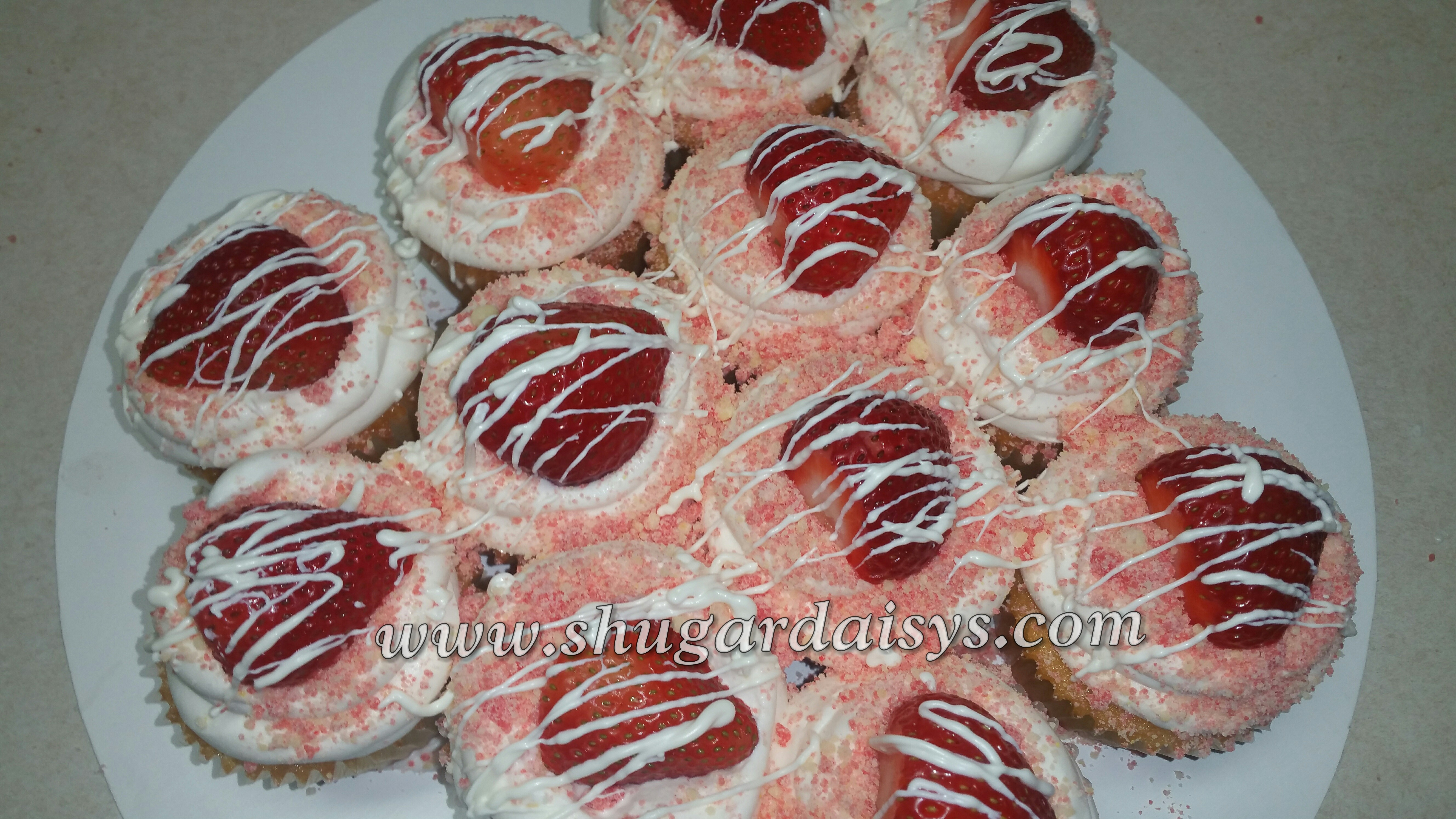 Strawberry Crunch Cupcakes