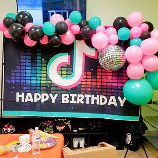 TikTok Backdrop & Balloon Garland