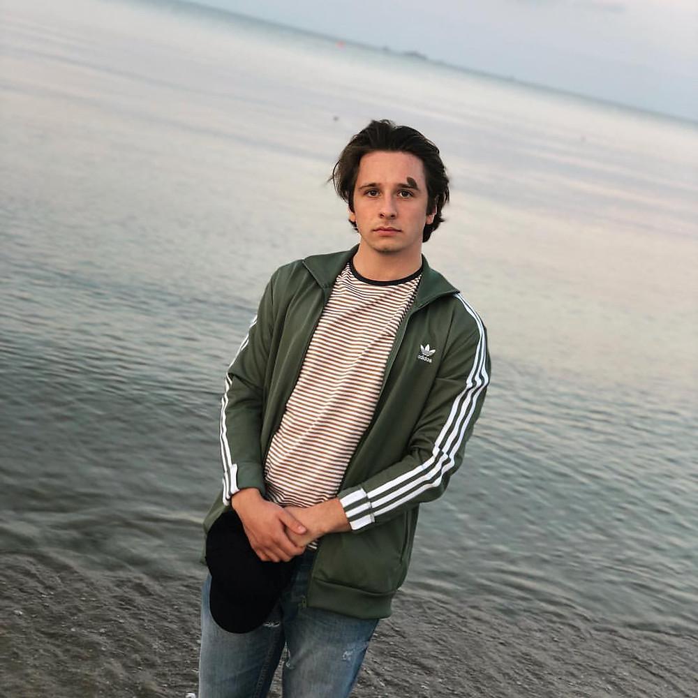 aktor Damian Mirga