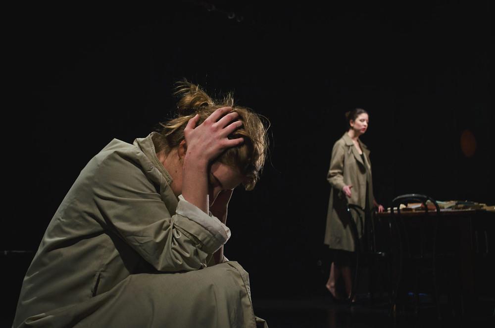 """Agata Różycka jako """"Olga"""" w spektaklu """"Trzy siostry"""