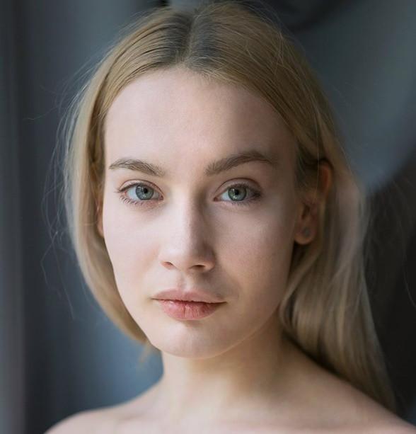 "Olga Rayska. ""Laleczka"" Canal+"
