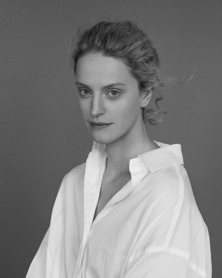 Aktorka Daria Polunina. Mówi swobodnie po polsku, ukraińsku i rosyjsku.