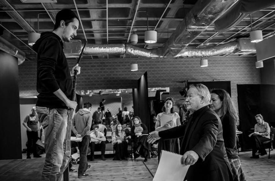 Krystian Modzelewski i reżyser Peter Stein w trakcie prób spektaklu
