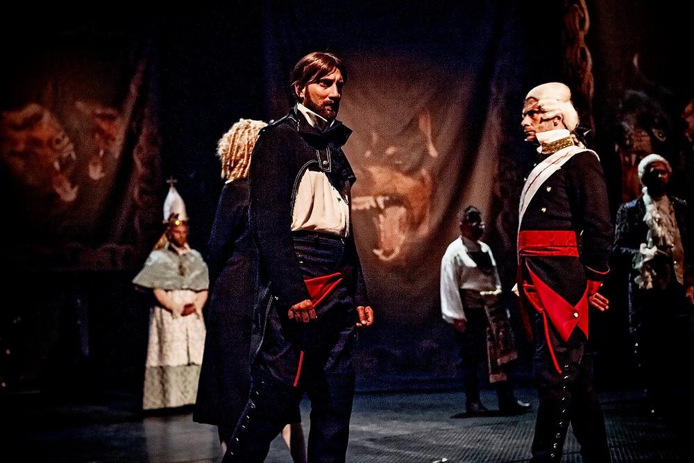 """Krystian Durman jako """"von Lucchesini"""" w spektaklu """"Wielki Fryderyk"""" Jana Klaty"""