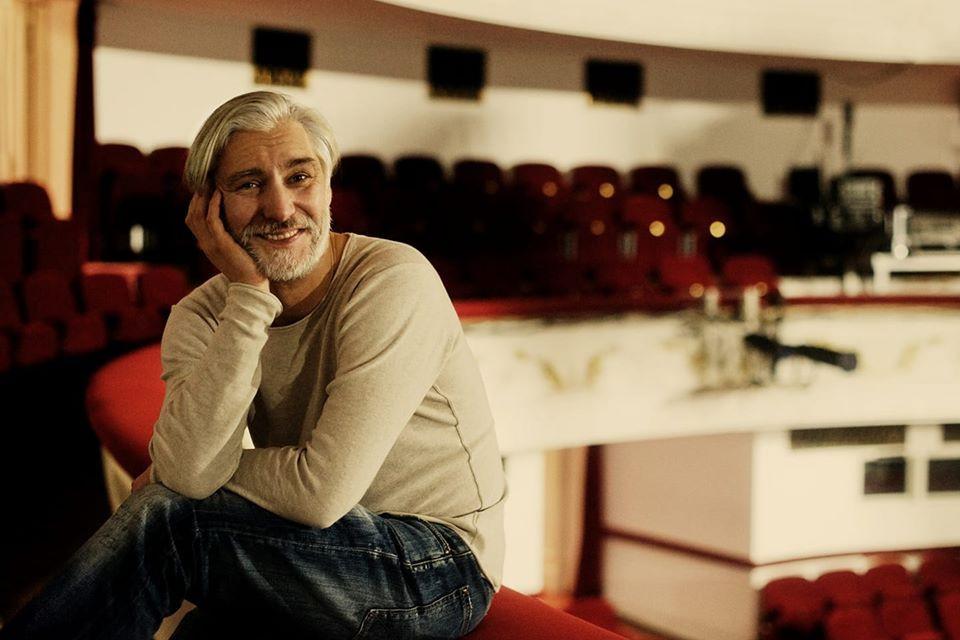 Aktor Mariusz Drężek
