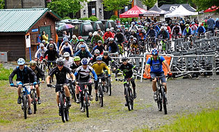 How to make friends in Whistler, mountain bike, ladies night, socialise, free food