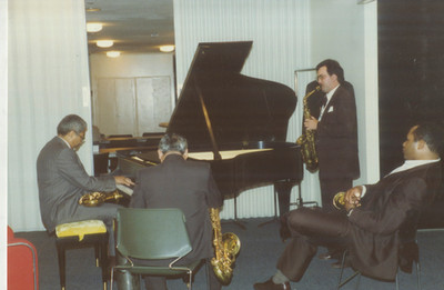1990 Pre-hit jam with foss and the cats.
